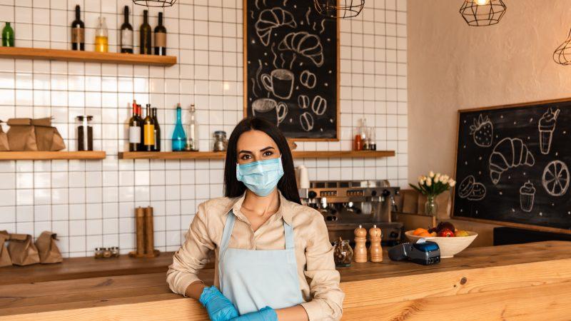 לפני הגל בחורף: על העסקים הקטנים להתקדם לאונליין